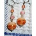 Stříbrné náušnice s oranžovými korálky