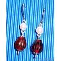 Stříbrné náušnice s červeným korálkem a perlou