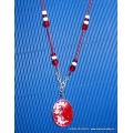 Červený náhrdelník - lůžko zalité pryskyřicí